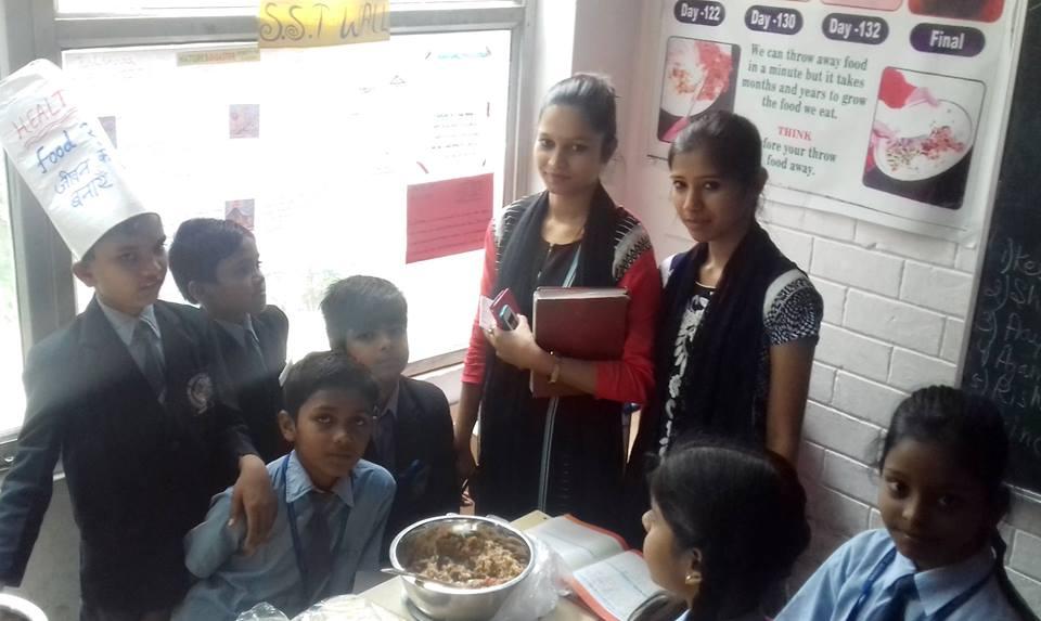 मुनि इंटरनेशनल स्कूल के छात्रों ने बाल दिवस के माध्यम से समझाया पौष्टिक आहार का महत्व