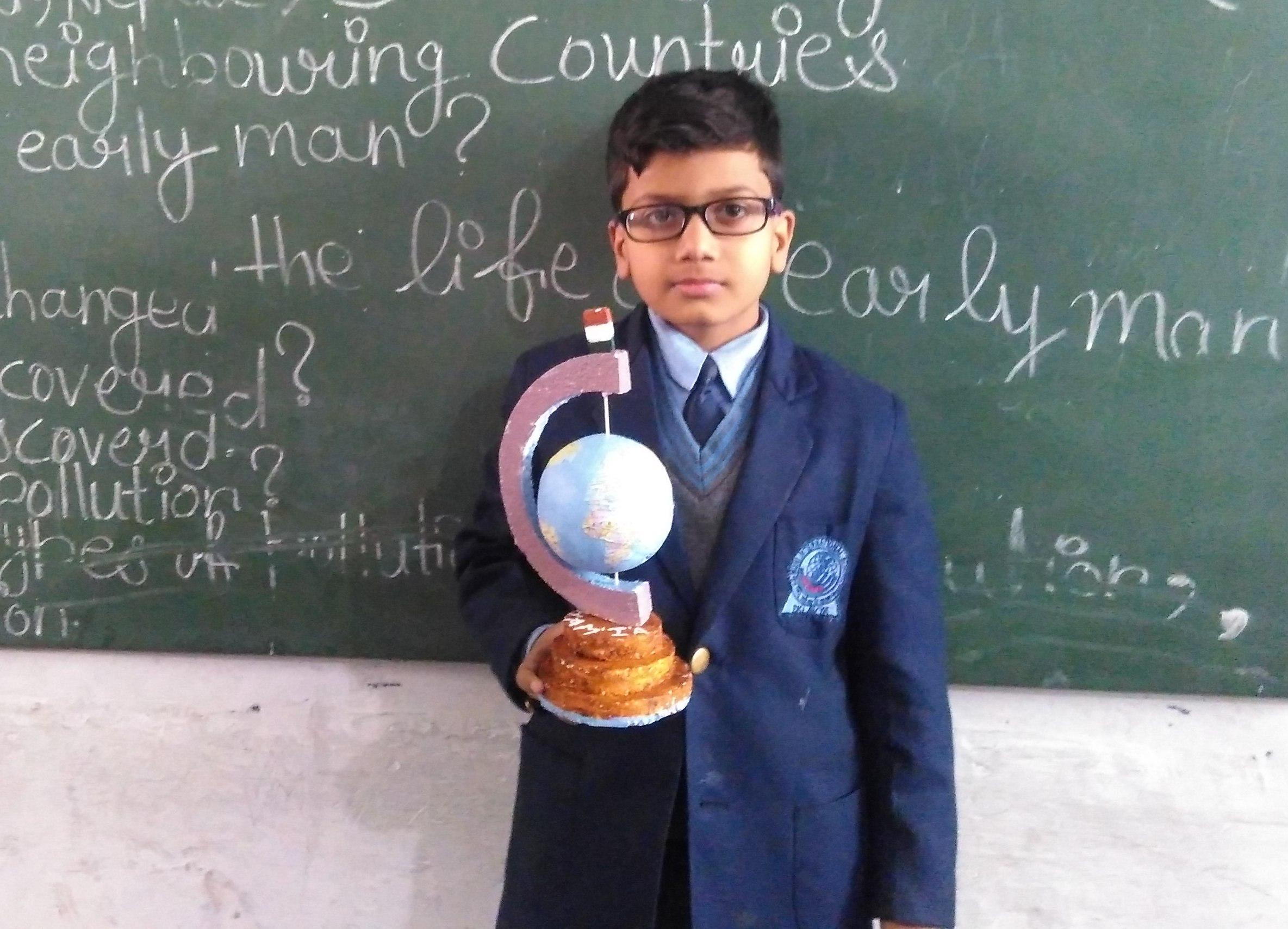 ज्ञान-विज्ञान प्रकृति के कण-कण में व्याप्त है: डॉ. अशोक